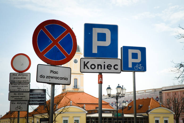 Pięć nowych znaków drogowych pojawi się wkrótce na polskich drogach - kierowcy będą musieli się nauczyć ich znaczenia. Projekt nowych przepisów przygotowały