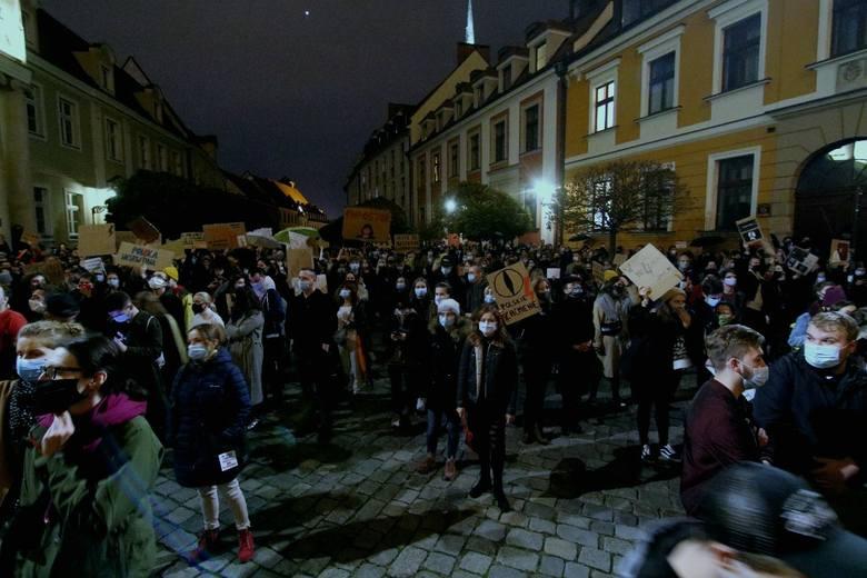 Dziś kolejny dzień protestów przeciwko zaostrzaniu prawa aborcyjnego 26.10.2020 r.