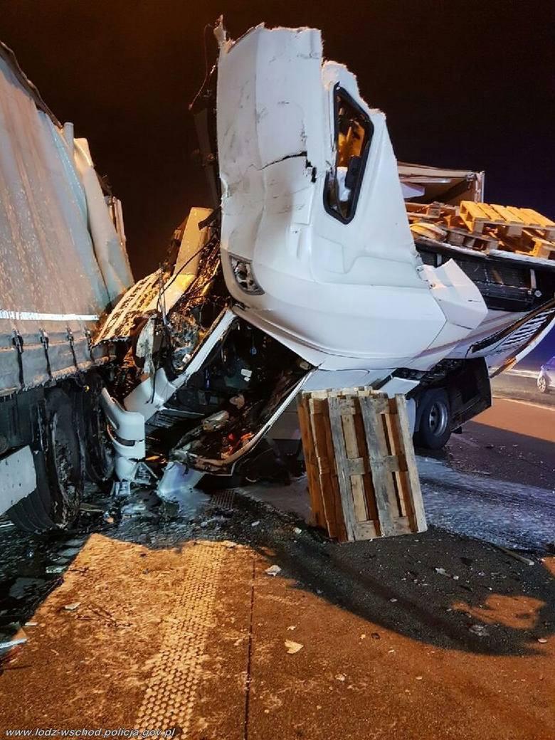 Tej samej nocy po godzinie 4 na drodze A-1 w kierunku Katowic przed zjazdem na S-8 na wysokości m. Romanów 64 – letni kierowca samochodu ciężarowego