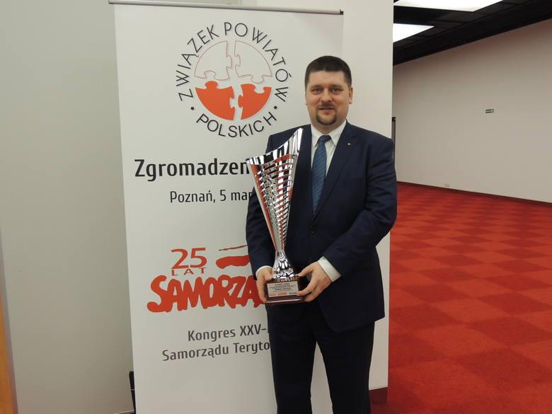 Michał Godowski - starosta kieleckiJesteśmy solidnym, dobrze zarządzanym samorządem, od lat zdobywającym uznanie na forum ogólnokrajowym oraz urzędem