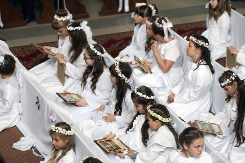 Pierwsza komunia święta: Jak połączyć wiarę z nowoczesnym podejściem?