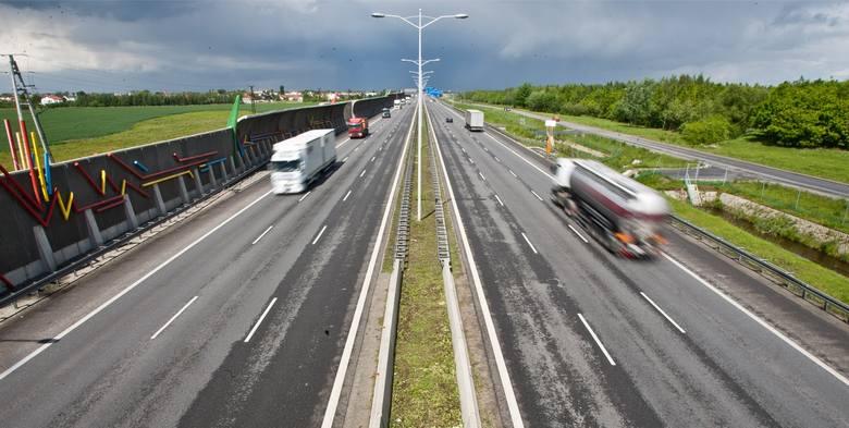 To już pewne. Na całej Autostradowej Obwodnicy Wrocławia zostanie wprowadzone nowe ograniczenie prędkości dla samochodów osobowych. Ma to znacznie zmniejszyć