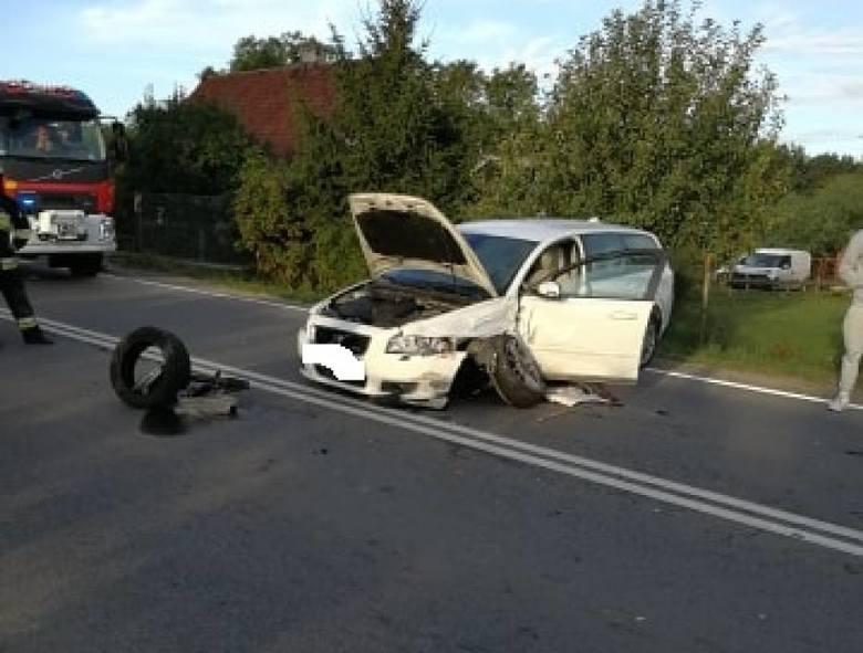 Groźny wypadek drogowy miał miejsce dziś wczesnym rankiem na drodze krajowej nr 55 na rogatkach Gościszewa. W zderzeniu dwóch samochodów osobowych ucierpiało