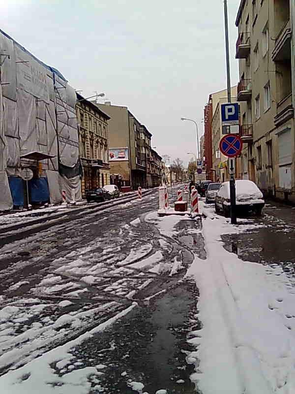...tymczasem odcinek od al. Mickiewicza do ul. Radwańskiej nie jest jeszcze gotowy.