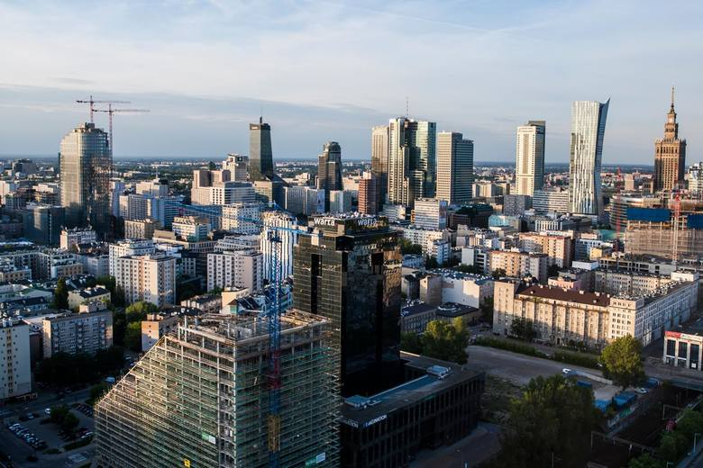 Zdaniem Kubisiaka lockdown był tym dołkiem koniunktury gospodarczej, najsilniejszym załamaniem i wyrwą dla polskiej gospodarki.