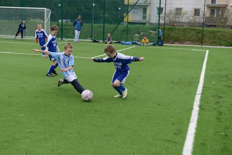 W Poznaniu funkcjonuje kilkanaście Orlików. Miały służyć głównie okolicznym dzieciom. Tymczasem są w dużej mierze wykorzystywane przez szkółki piłkarskie, które przeprowadzają na boiskach treningi, rozgrywają mecze i turnieje. Orliki są im udostępniane za darmo.