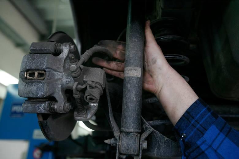 Nieuczciwy mechanik dopuszcza się wymiany naszych części na znacznie tańsze.