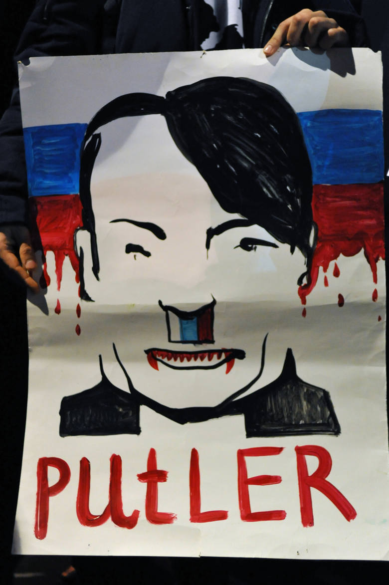 Potęga propagandy: Putin przez Rosjan noszony na rękach, mimo że kraj popada w ruinę. Ameryka zszokowana wynikiem wyborów, Polacy i Ukraińcy szczuci