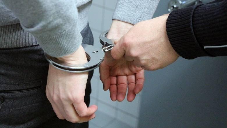 Bandyci w rękach brzozowskiej policji. Wpadli do domu w kominiarkach i za 30 zł pobili starszego mężczyznę