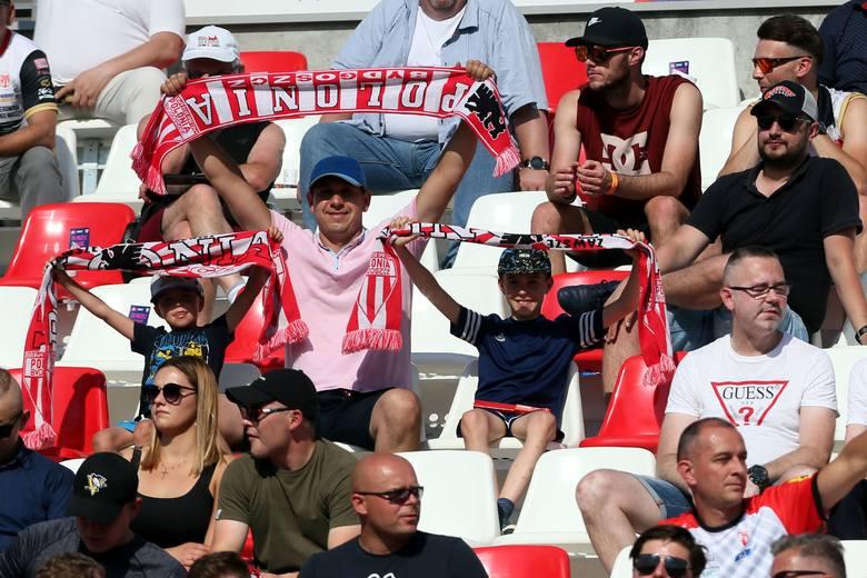 Kibice nie zawiedli i tłumnie stawili się na meczu żużlowym Abramczyk Polonia Bydgoszcz - Orzeł Łódź.Na kolejnych stronach zdjęcia fanów>&