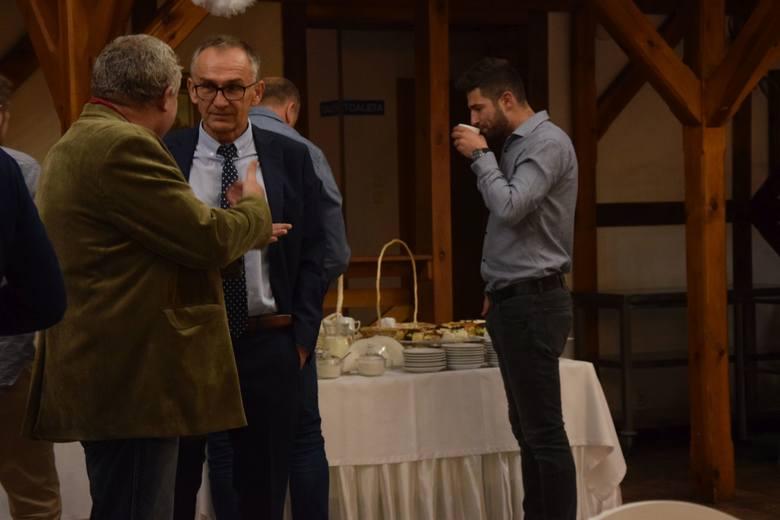 Trwa wieczór wyborczy w Grudziądzu. Odwiedziliśmy sztab Andrzeja Guzowskiego, kandydata na prezydenta Grudziądza, popieranego przez PiS.