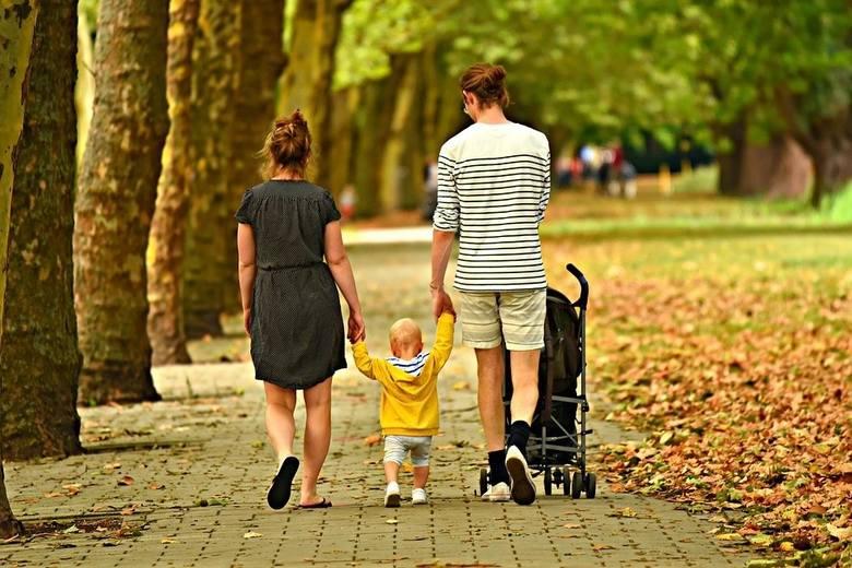 Rodzice, którzy spodziewają się dziecka mogą liczyć na wsparcie finansowe. Prezentujemy kilka świadczeń, z których mogą skorzystać!SZCZEGÓŁY NA KOLEJNYCH