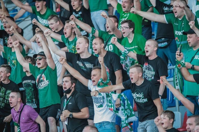 Około 1000 kibiców będzie mogło z wysokości trybun zobaczyć niedzielny (16 maja, godzina 19.10) mecz 30 kolejki Fortuna 1 Ligi, Radomiaka z Sandecją
