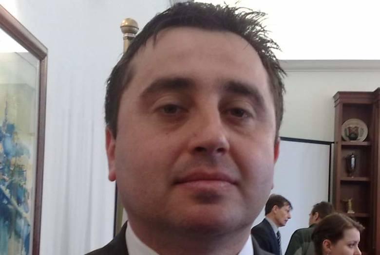 Sławomir Kożuszko wygrał konkurs na nowego szefa MOSiR i miał od dziś zacząć pracę. Jego dotychczasowy pracodawca (jedna ze szkół w Prudniku) nie wyraził