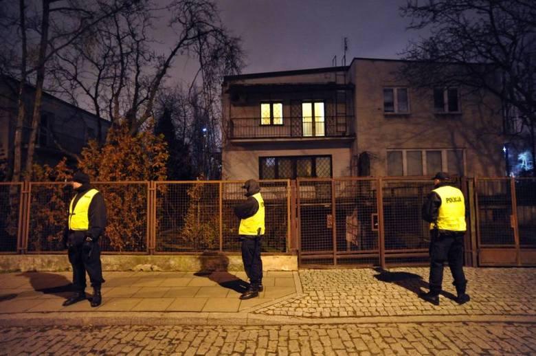 Willa Jarosława Kaczyńskiego mieści się na Żoliborzu w Warszawie. Zobaczcie, na zdjęciach jak prezentuje się najsłynniejszy dom w Polsce!KLIKNJ >>>>