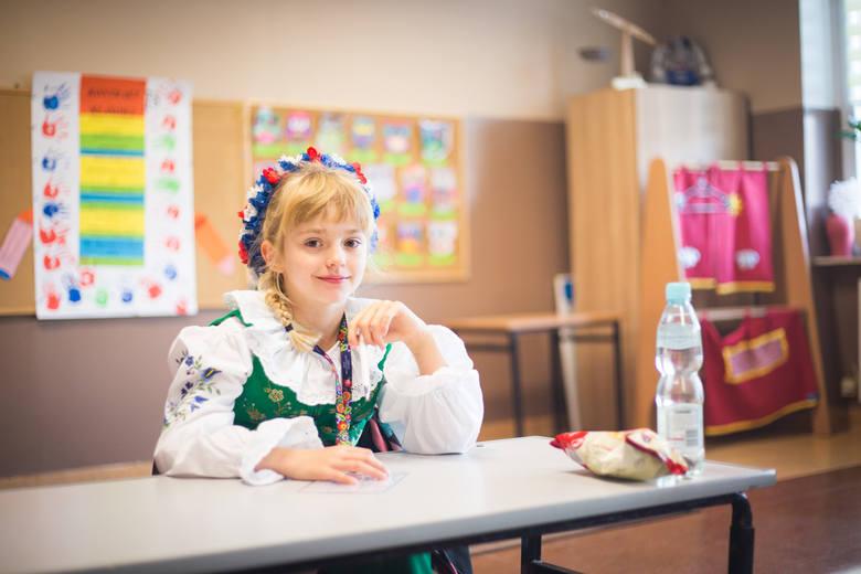 Tegoroczna edycja Dyktanda Kaszubskiego odbyła się dzisiaj (5 października) w Szkole Podstawowej nr 2 przy ul. Henryka Pobożnego 2 w Słupsku .To już