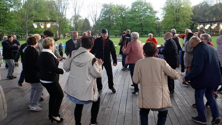 04.05.2019 rzeszow miejska potancowka dla seniorow tance seniorzy bulwary rzeszowskie fot krzysztof kapica