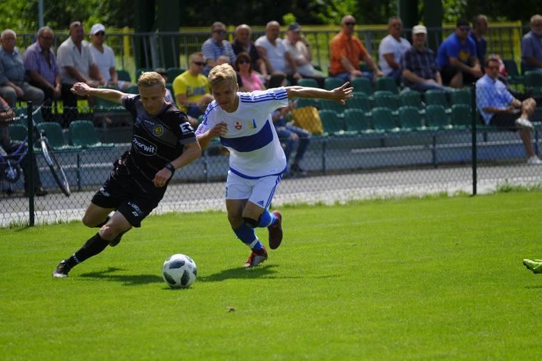 Elana Toruń pokonała Olimpię Elbląg 1:0 (1:0) w sobotnim meczu sparingowym. Jedyną bramkę dla toruńskiej drużyny zdobył Bartosz Machaj, nowy nabytek