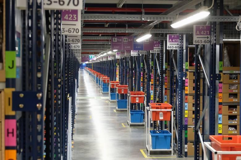 Dlaczego pracownicy Amazon z różnych regionów Polski przenoszą się w okolice Łodzi?