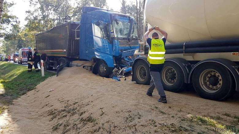 Wypadek na DK 45 w Trzebiszynie.