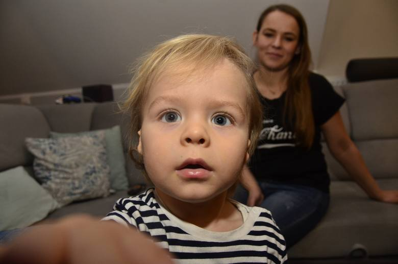 Mały Mikołaj nie ma uszu. Rodzice walczą o jego zdrowie. Możesz im pomóc
