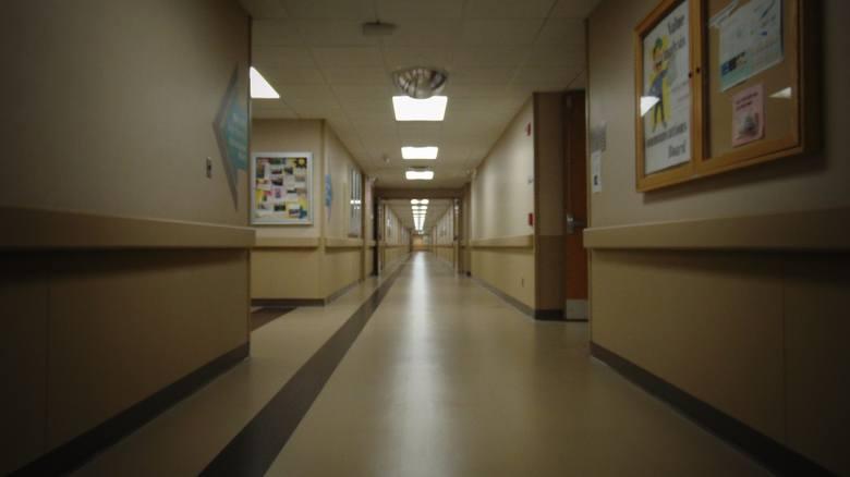 Szpitale mają coraz większy problem z zatrudnieniem lekarzy. Lista specjalistów, których brakuje, wciąż się wydłuża. Podobnie jak kolejki do lekarzy.