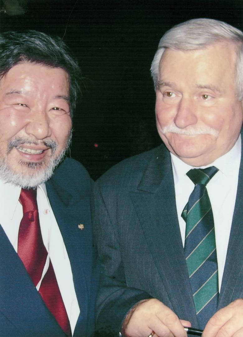 Yoshiho Umeda mówił, że ma sześciu ojców: Ryōchū Umedę – ojca biologicznego, Yukio Kudō – ojczyma, Konrada Jażdżewskiego – ojca przybranego, Juliusza