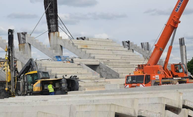 Budowa nowego stadionu dla Radomiaka przy ulicy Struga 63. Roboty są wykonane w 30 procentach. ZOBACZ NAJNOWSZE ZDJĘCIA