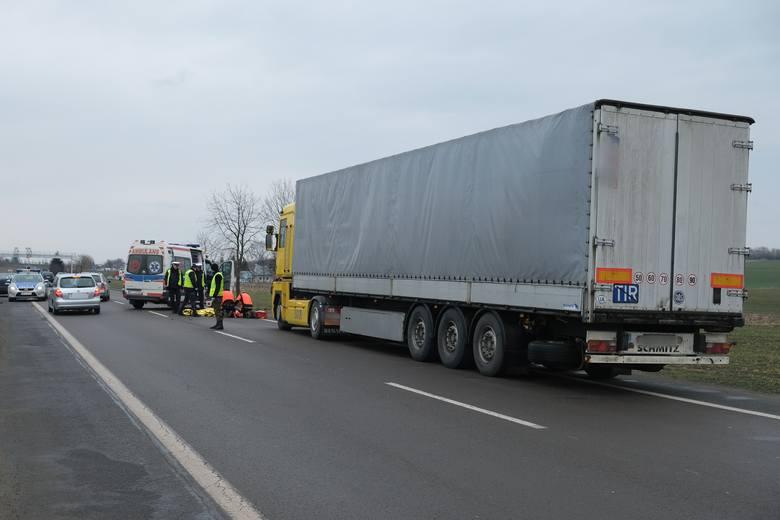 Do zdarzenia doszło w czwartek około godz. 11.30 kilkaset metrów przed polsko-ukraińskim przejściem granicznym w Medyce pod Przemyślem.- Ze wstępnych