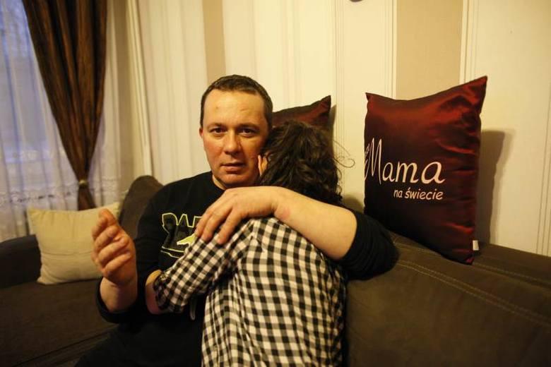 - Ten chłopak tak mocno uderzył Kasię, że córka trafiła do szpitala, bo miała problemy ze wzrokiem - mówi Andrzej Szczerbicki. - Wtedy na szczęście skończyło