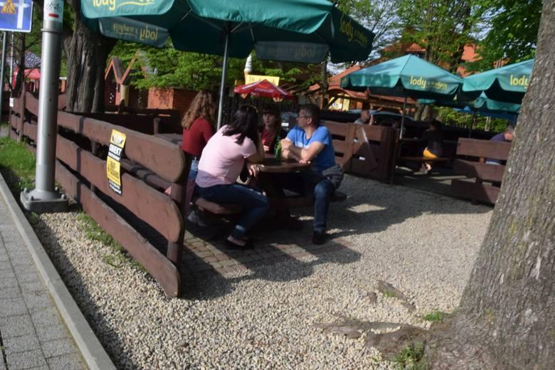Sobota, 15 maja była pierwszym dniem, w którym można było bez maseczek przebywać na świeżym powietrzu oraz skorzystać z oferty ogródków gastronomicznych