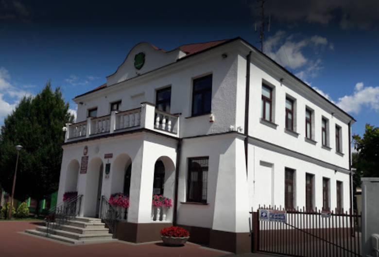 27 maja 1990 roku odbyły się pierwsze wybory do samorządu terytorialnego w Polsce, po 40 latach przerwy. W  Grabowie nad Pilicą wybieraliśmy Radę Gminy,