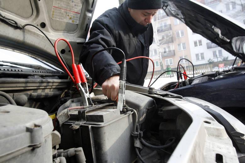 Aby ograniczyć do minimum ryzyko awarii samochodu zimą, kierowcy powinni zatroszczyć się o przegląd.