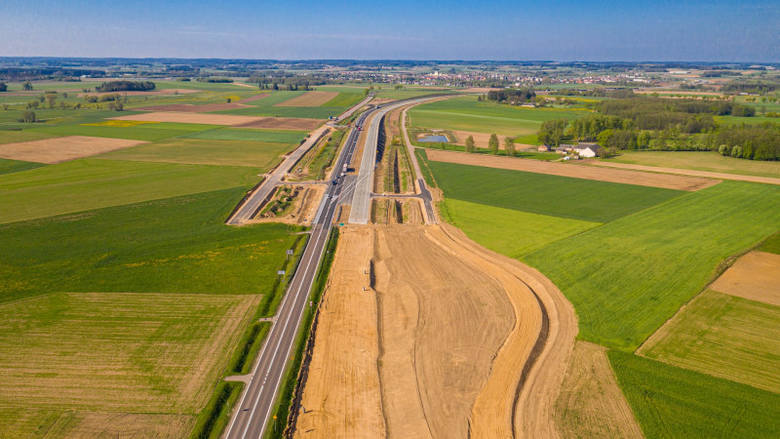 Via Baltica. Powstają kolejne odcinki ekspresówki, która połączy trasę S8 z Budziskiem na granicy Polski z Litwą
