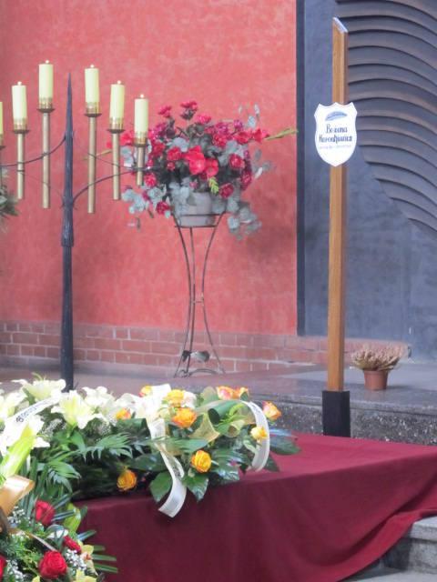 Pogrzeb Bożeny Koronkiewicz. Dyrektorkę X LO we Wrocławiu żegnały setki osób (ZDJĘCIA)