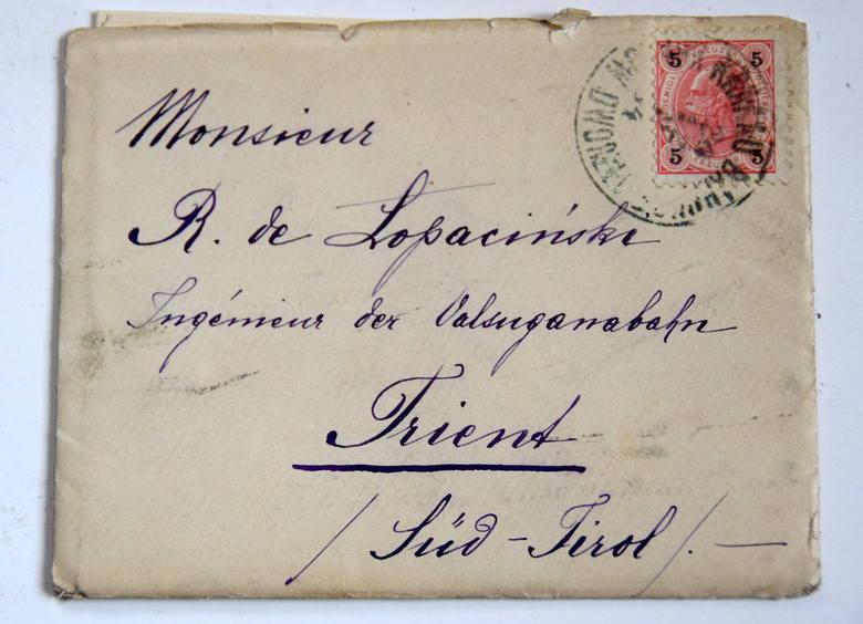 Korespondencja z kolekcji rodziny Łopacińskich, zachowały się też pisane odręcznie listy.