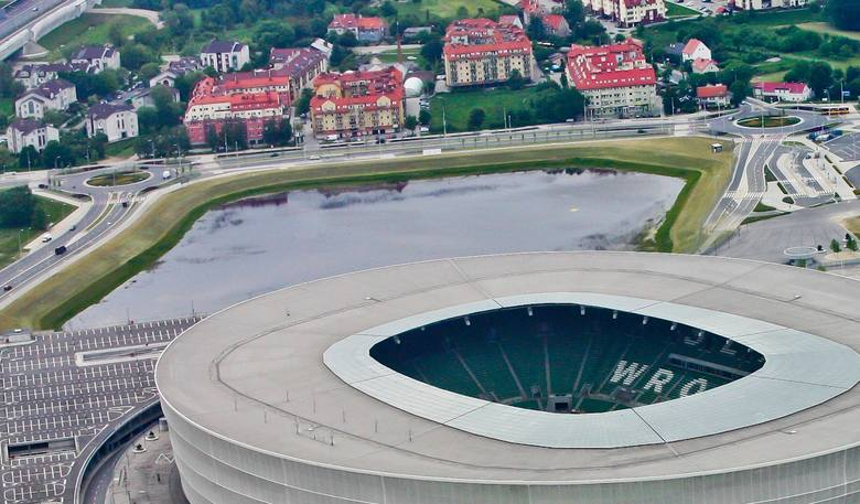 Wrocław, staw w wykopie przy Stadionie Miejskim