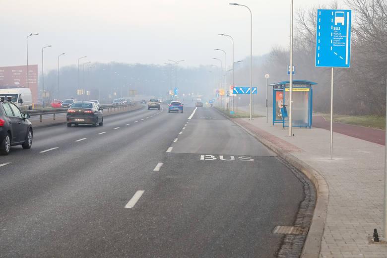 Kraków. Nowy buspas na ulicy Kamieńskiego. Autobusy nie będą stały w korkach