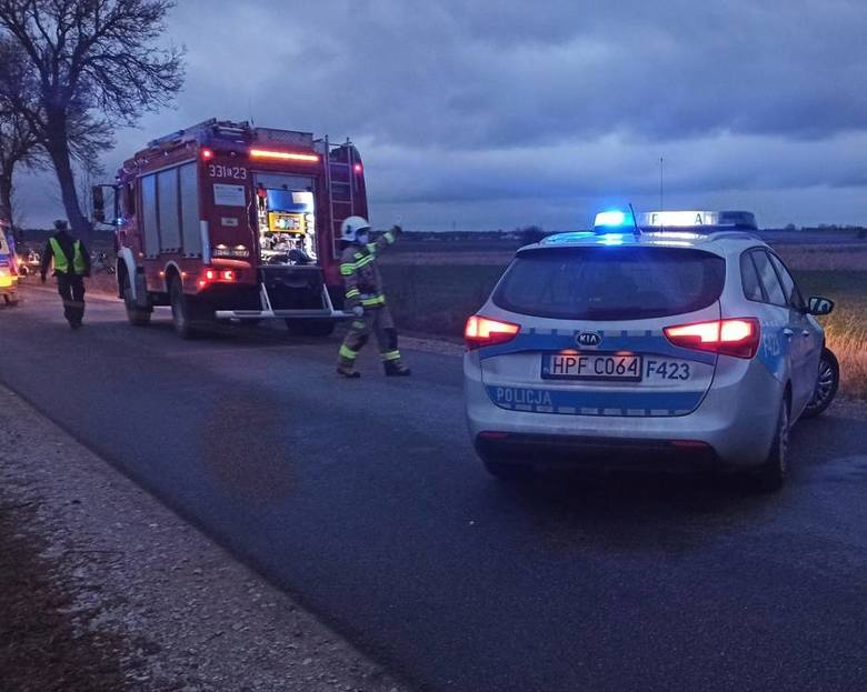 24-letnia matka i niemowlę ponieśli śmierć w wypadku, do którego doszło 25 grudnia po godz. 15 w Nowej Wsi pod Piotrkowem Trybunalskim. Kierowca pojazdu,
