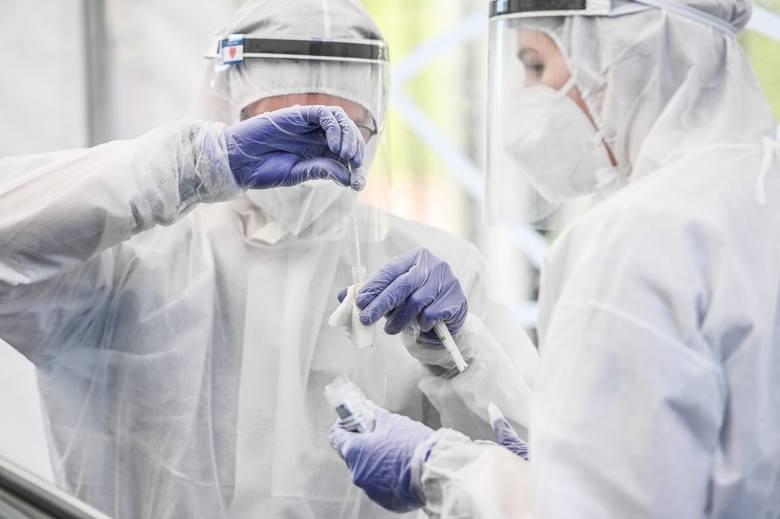 Ministerstwo Zdrowia poinformowało 21 maja o 251 nowych przypadkach koronawirusa w woj. śląskim. Zmarło też dwóch mężczyzn w wieku 78 lat - jeden w szpitalu