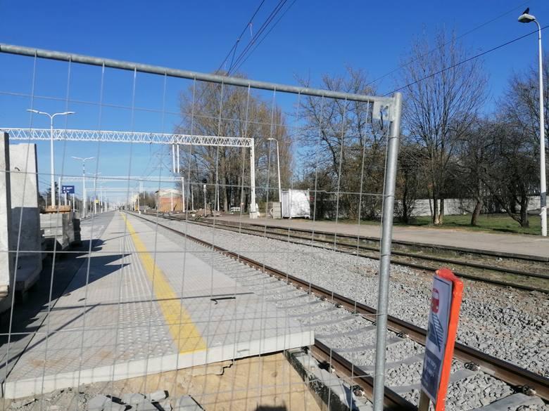 Remont linii kolejowej numer 14. Zamknięty przejazd kolejowy
