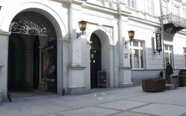 """Darmowe wyjazdy do teatru w Kielcach. Na """"Świętoszka"""" i """"Rasputina""""."""