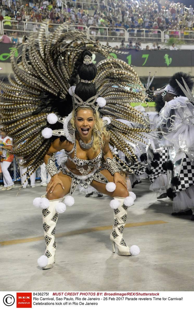 Karnawał w Rio 2017 [ZDJĘCIA] Nagie ciała, samba i seks