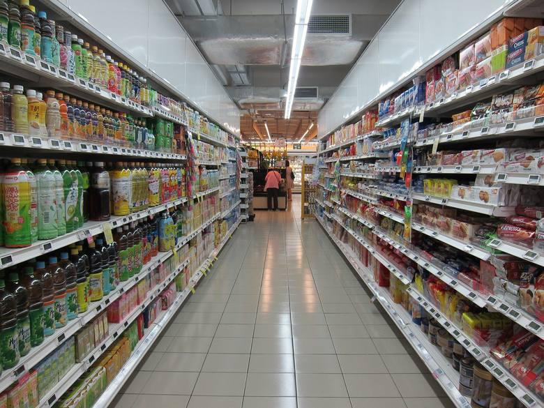 Gdzie na codzienne zakupy wydamy najwięcej? W Polsce, Czechach czy Niemczech? Ile za te same produkty spożywcze płacą w sklepach mieszkańcy Polski, Czech