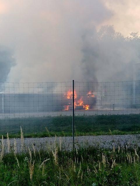 Trwa akcja gaśnicza tira na obwodnicy Lublina. Droga jest zablokowana