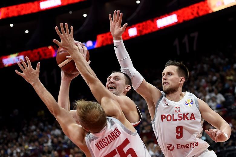 MŚ w koszykówce. Twitter oszalał po zwycięstwie Polski nad Rosją. Polski zespół świętuje [WIDEO]