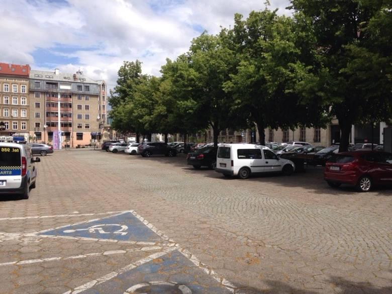 Mieszkańcy mogą usunąć beton z pl. Orła Białego. Początek zmian w centrum