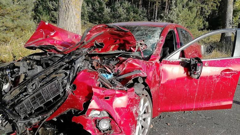 Do tragicznego wypadku doszło w czwartek około godz. 15.35  na prostym odcinku drogi pomiędzy Osiekiem Drawskim a Wierzchowem w powiecie drawskim.Trzy