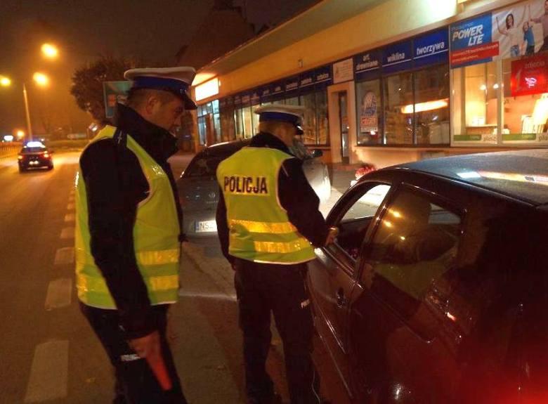 Akcja Dyskoteka: 2 pijanych kierowców i 139 skontrolowanych pojazdów w Ełku (zdjęcia, wideo)