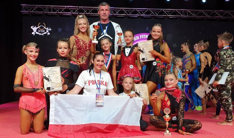 W Serbii odbyły się Mistrzostwa Świata w Fitness Dzieci. Trenerzy Joanna i Grzegorz Kępowie z UKS Black&White Ostrowiec Świętokrzyski zabrali